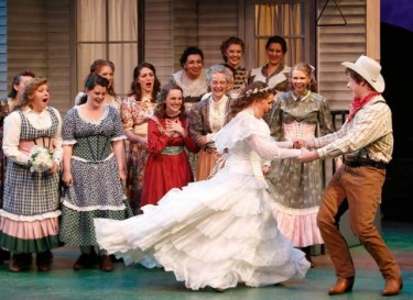 "Dancing, singing, costumes, sets -- ""Oklahoma!"" is a treat for theatregoers."