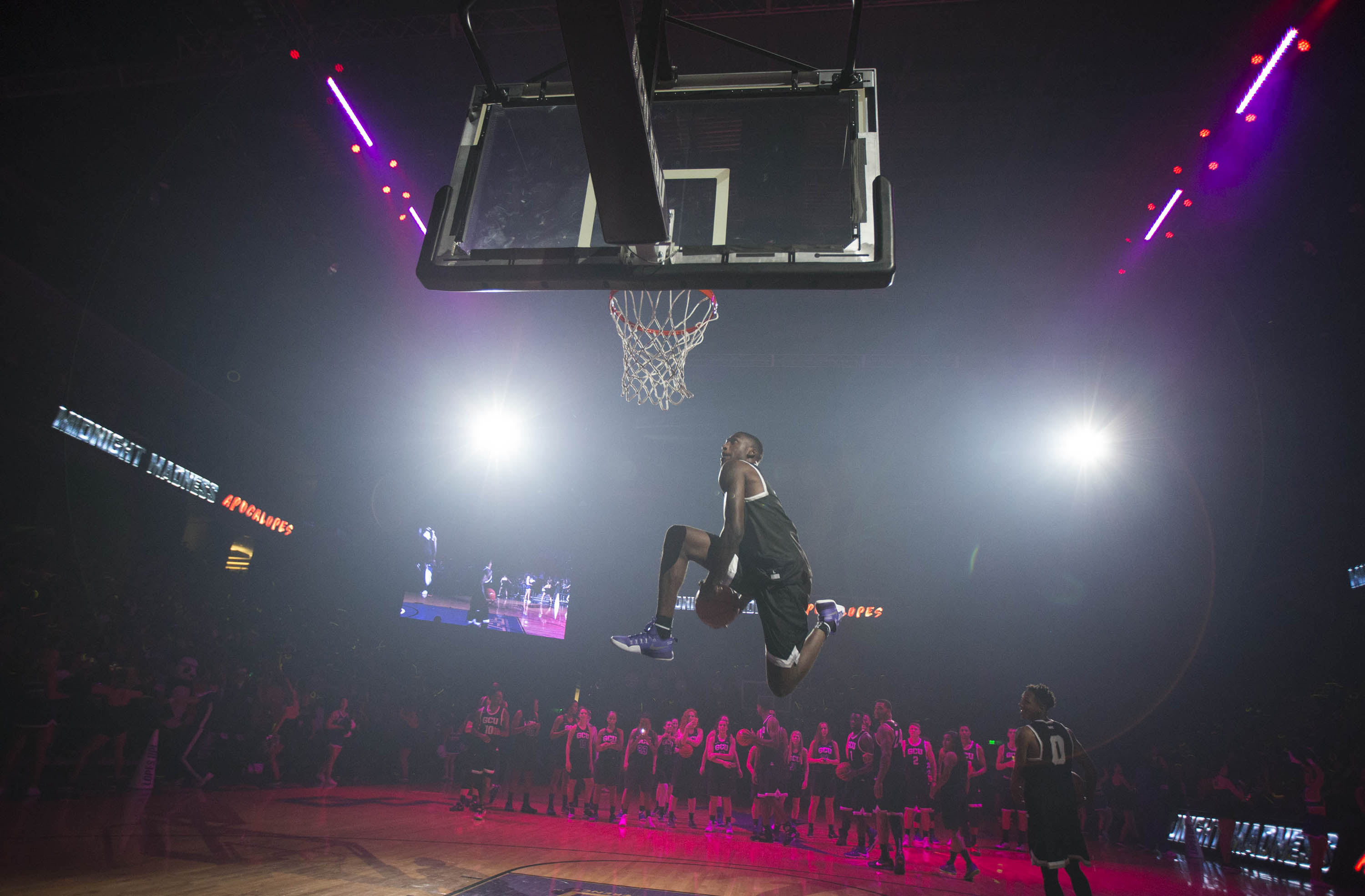 Slideshow: Midnight Madness sizzles with fun - GCU Today